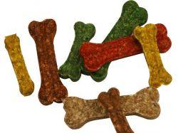 Kost buvolí chroupací barevná 11 - 12cm